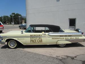 1957 Mercury Turnpike Cruiser 001