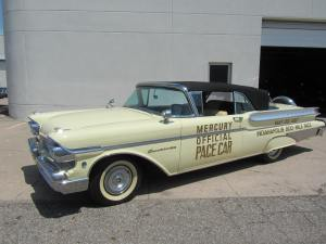 1957 Mercury Turnpike Cruiser 002