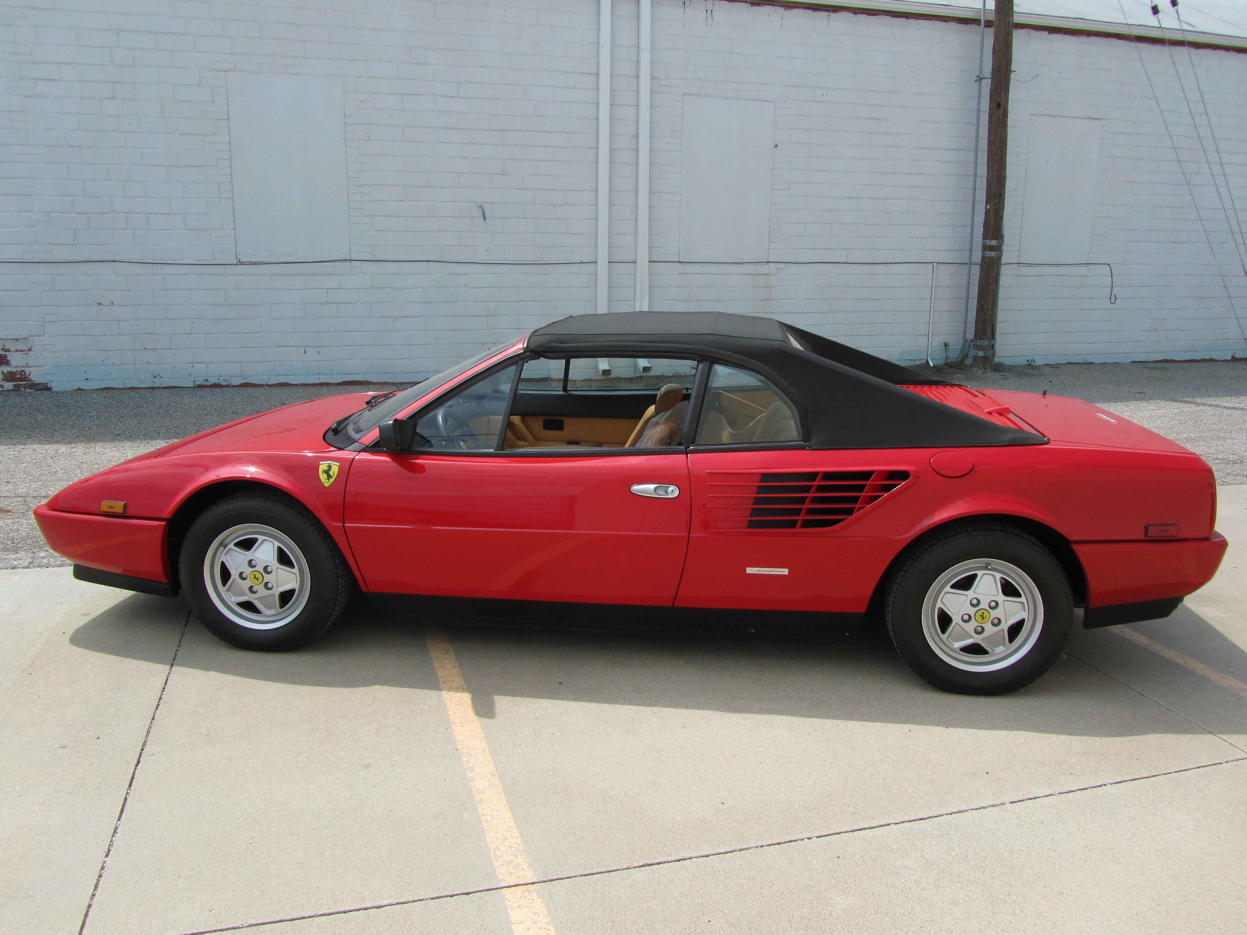 1984 ferrari mondial quattrovalvole cabriolet convertible 1984 ferrari mondial quattrovalvole. Black Bedroom Furniture Sets. Home Design Ideas