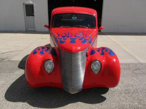 1939 FordCustom 2 Door Coupe 003