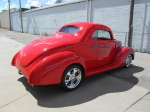 1939 FordCustom 2 Door Coupe 006