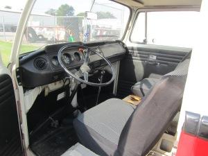 1968 VW 8 Window 010